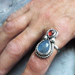 Labradorite and Garnet Gemstone Ring - Size 8