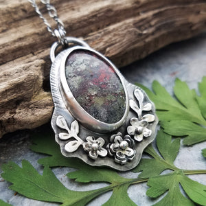 victorian style moss agate flower pendant