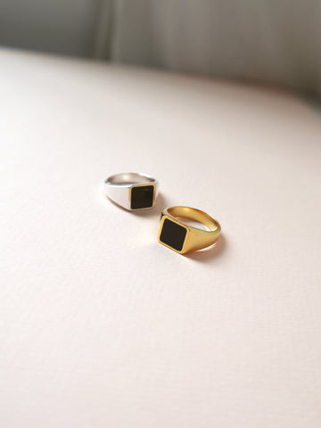 marlowe ring with large black stone