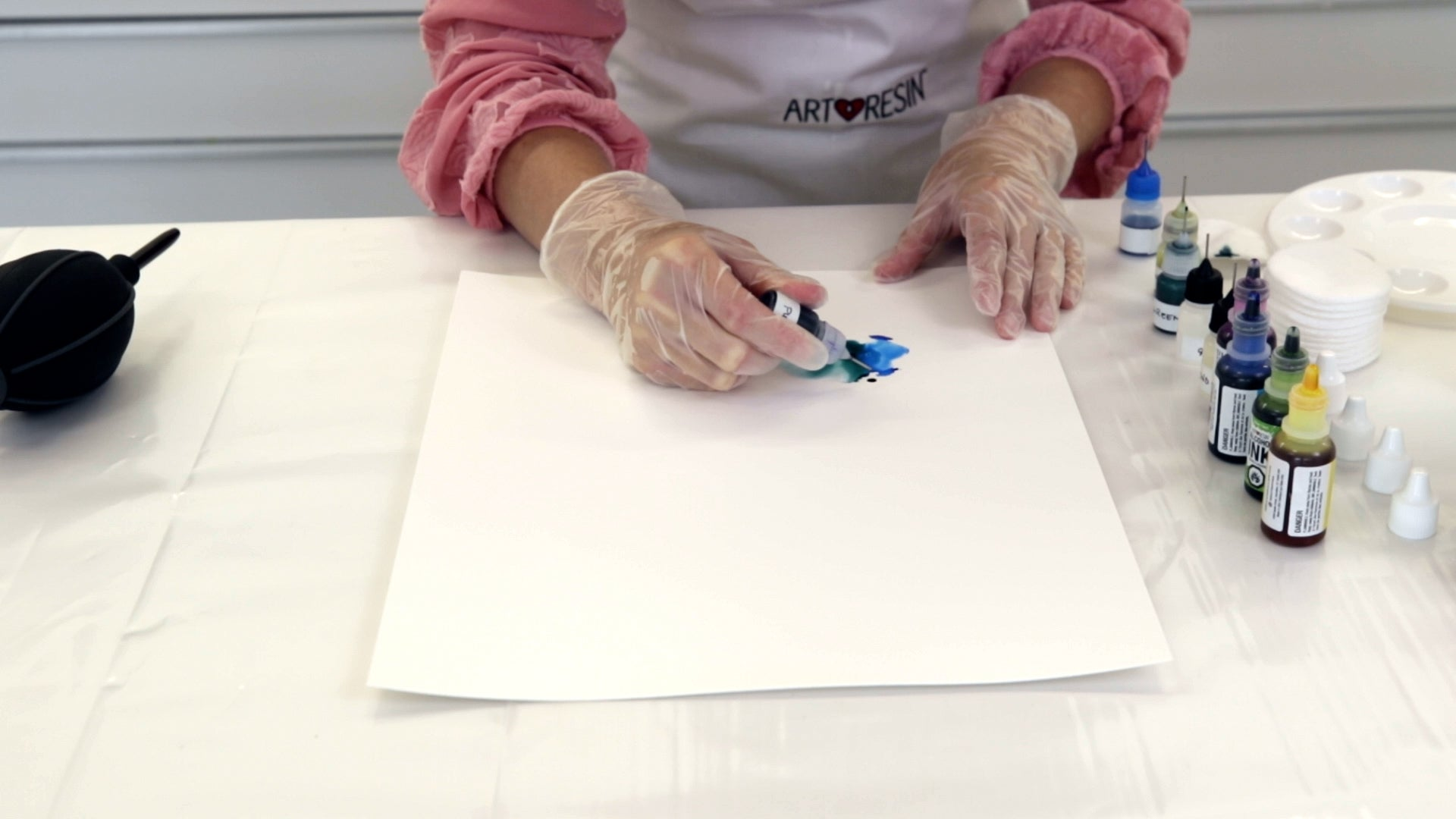 adding alcohol ink to yupo paper