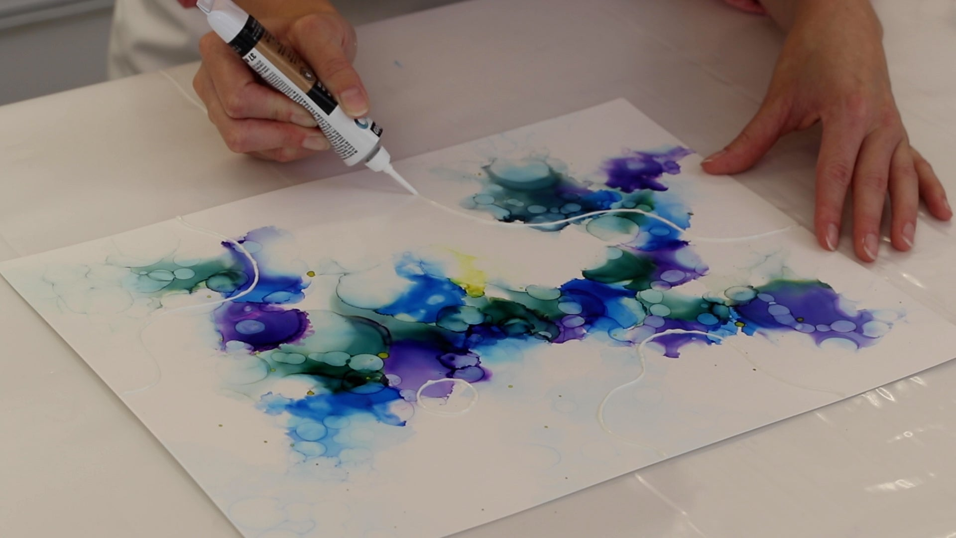 applying gilding paste to alcohol ink