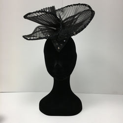 black fascinator, black hat, headpiece, hat for ladies day, simple headpiece