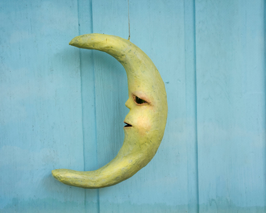 sculpted crescent moon