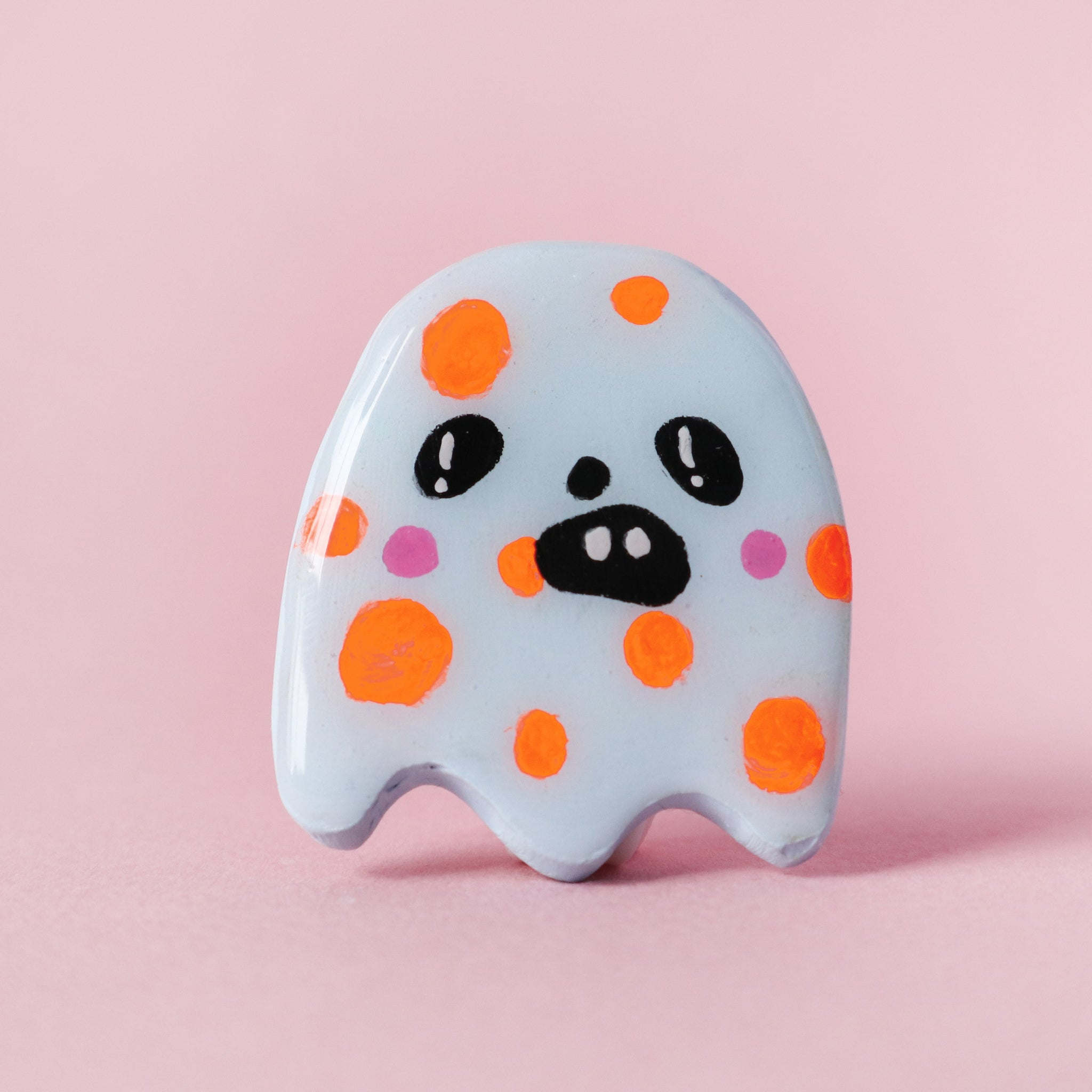 Ghostie Brooch - Dottie