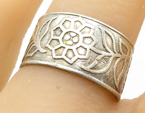 SIAM 925 Silver - Vintage Floral Engraved Pattern Band Ring Sz 8 - R6999