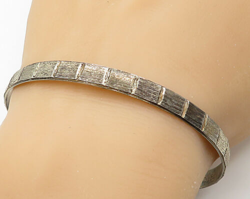 925 Sterling Silver - Vintage Uniquely Designed Bangle Bracelet - B3004