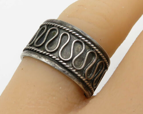925 Sterling Silver - Vintage Balinese Design Band Ring Sz 7.5 - R2100