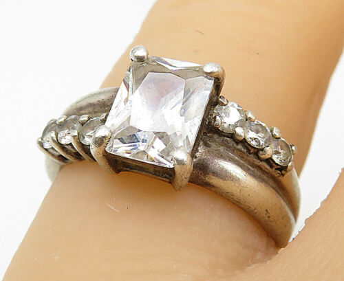 925 Silver - Vintage Cubic Zirconia Solitaire With Accents Ring Sz 6 - R9085