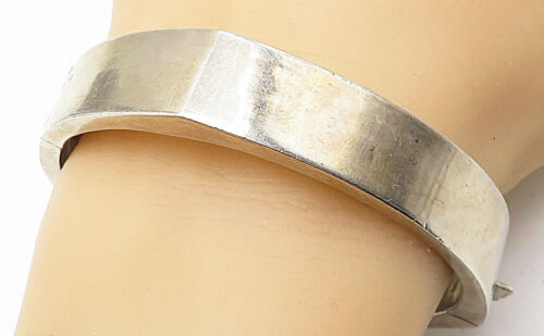 925 Sterling Silver - Vintage Large Hollow Smooth Angled Bangle Bracelet - B4527
