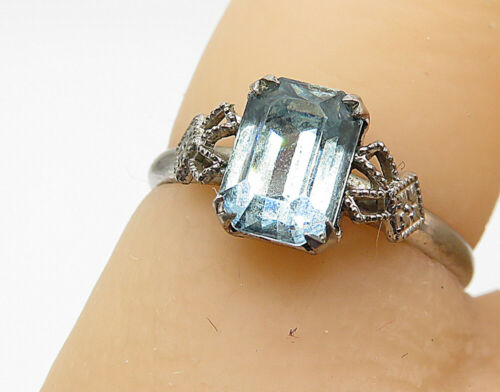 925 Sterling Silver - Blue Topaz Side Detail Petite Solitaire Ring Sz 5 - R7337