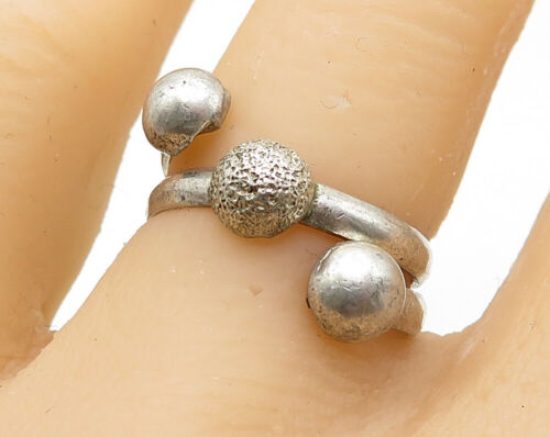 925 Sterling Silver - Vintage Wrap Around Ball End Band Ring Sz 7 - R6769