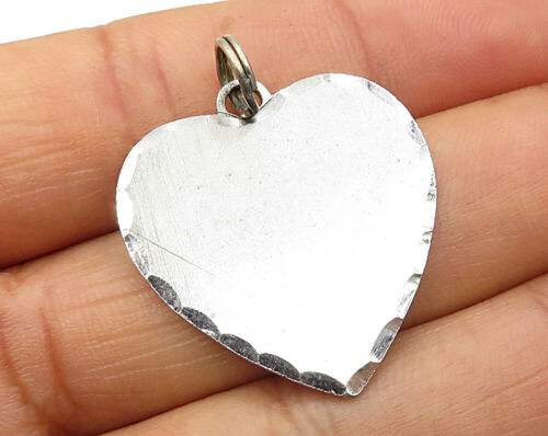 925 Sterling Silver - Vintage Scalloped Edge Love Heart Pendant - P3229