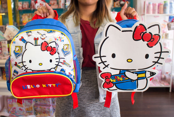 57085a5c2b This Hello Kitty Lunch Bag has so much room inside for carrying a yummy  lunch! The bag has easy to clean insulated lining and a zipper pocket on the  bottom ...