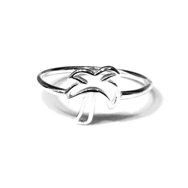 Hollow Palm Tree Ring