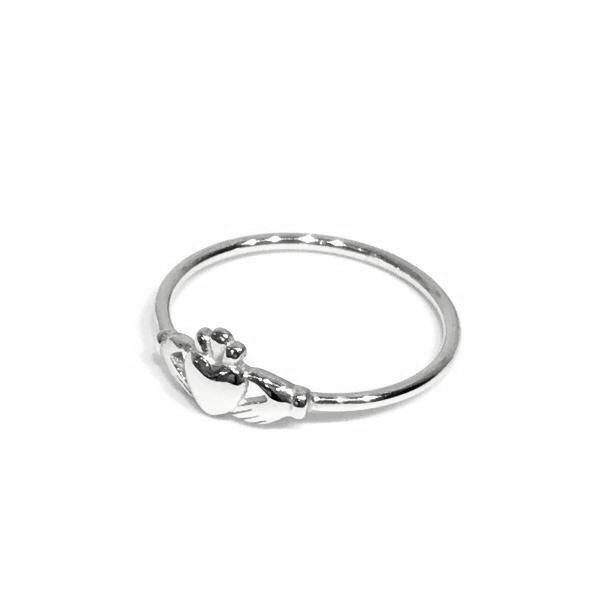Claddagh II Tiny Ring