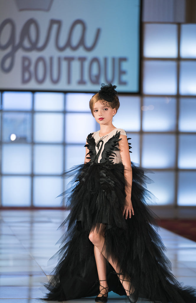Fall 18 The Black Swan Couture Dress That Girl Couture