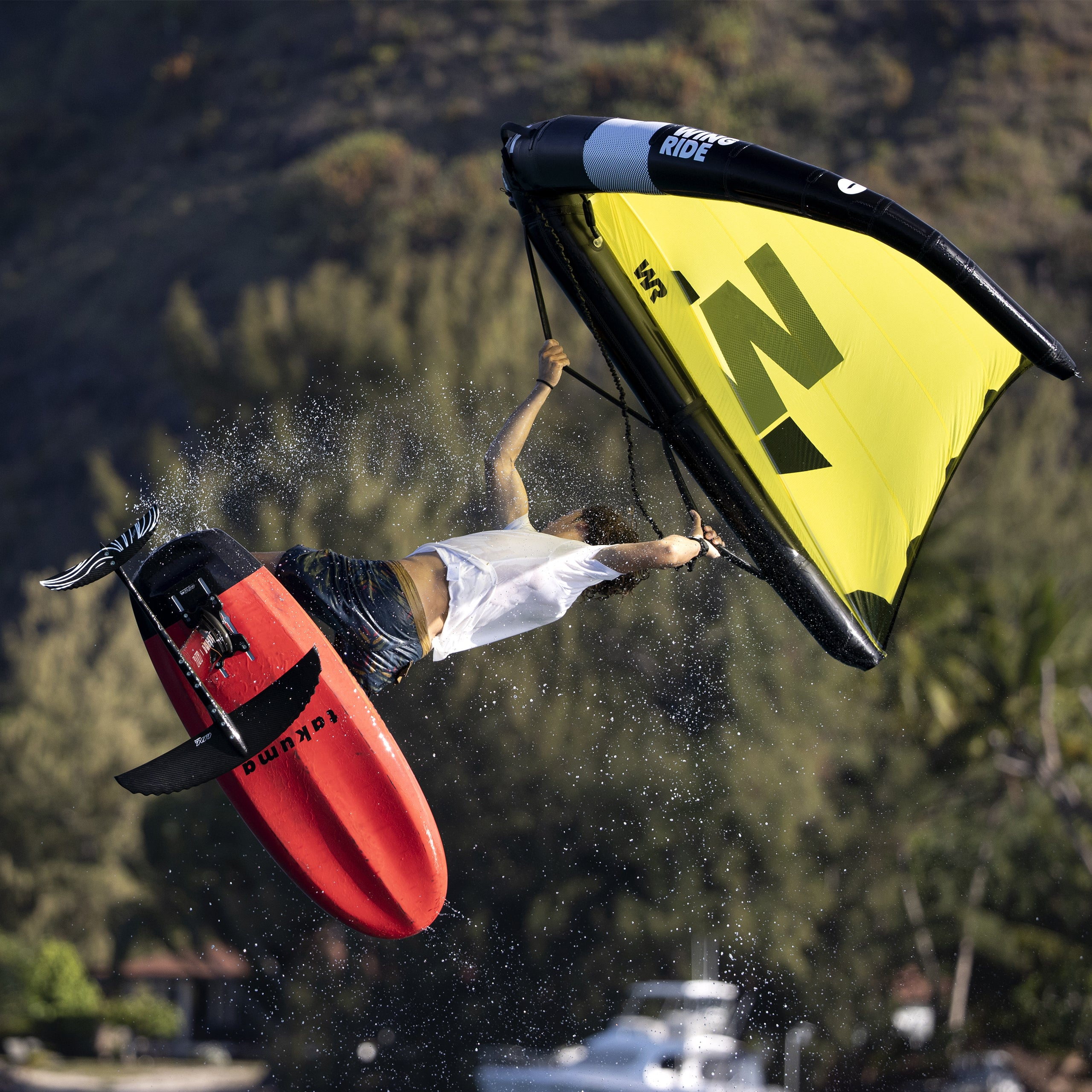 Takuma TK Carbon Foil Board Action