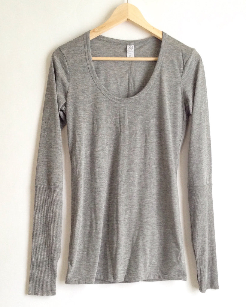 Scoop Tee with Thumbholes : Heather Grey