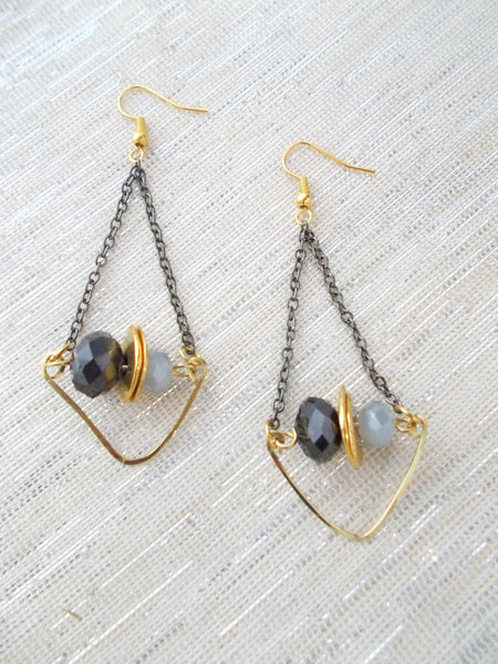 8688JE.a - Rainstorm Earrings in Gray