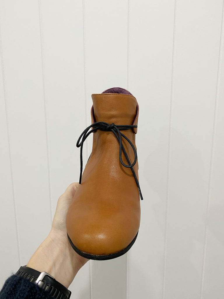 HAPPY TIE FRONT BOOT || COCONUT || TURKISH LEATHER