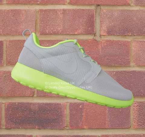 Nike Women's Roshe Run Hyperfuse - Light Bone/Volt