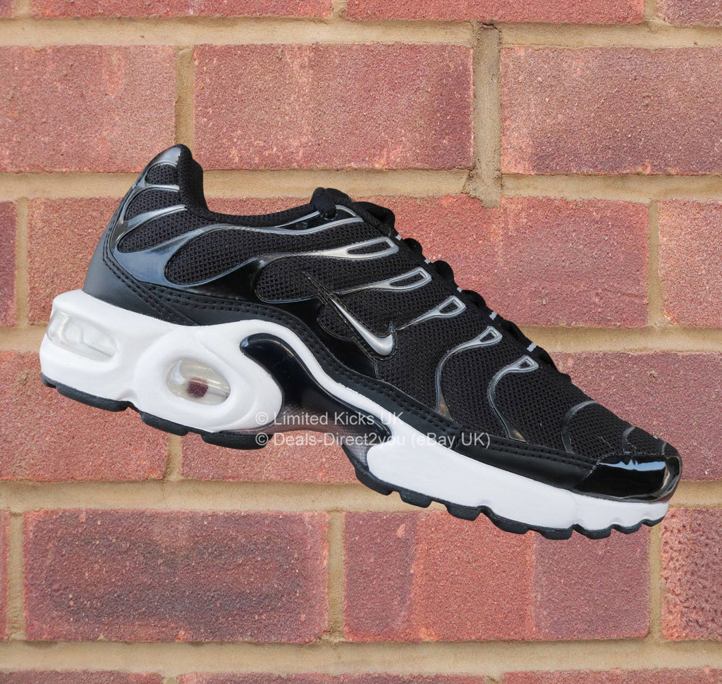 nike air max plus tn tuned 1 gs black metallic silver. Black Bedroom Furniture Sets. Home Design Ideas