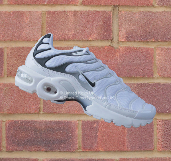 nike air max plus tn tuned 1 gs white black limited. Black Bedroom Furniture Sets. Home Design Ideas