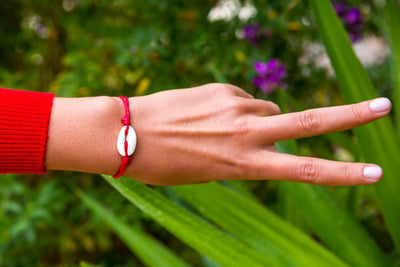 string seashell bracelet red - boom-ibiza