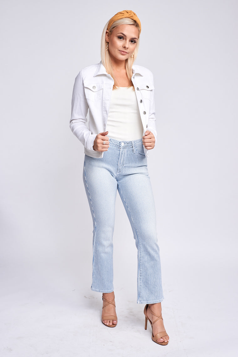 Striped jeans have a traditional 5-pocket structure with a high button waistband that fits comfortably in a fitted silhouette as it goes down the straight pant legs.