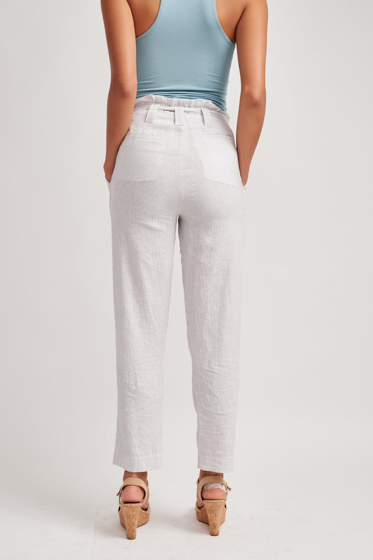These timeless and chic pin-stripe paper bag style pants is highlighted by a tying sash feature and the tailored, cropped pant leg flatters your figure.
