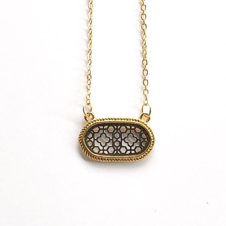 Lizie Necklace Black and Gold