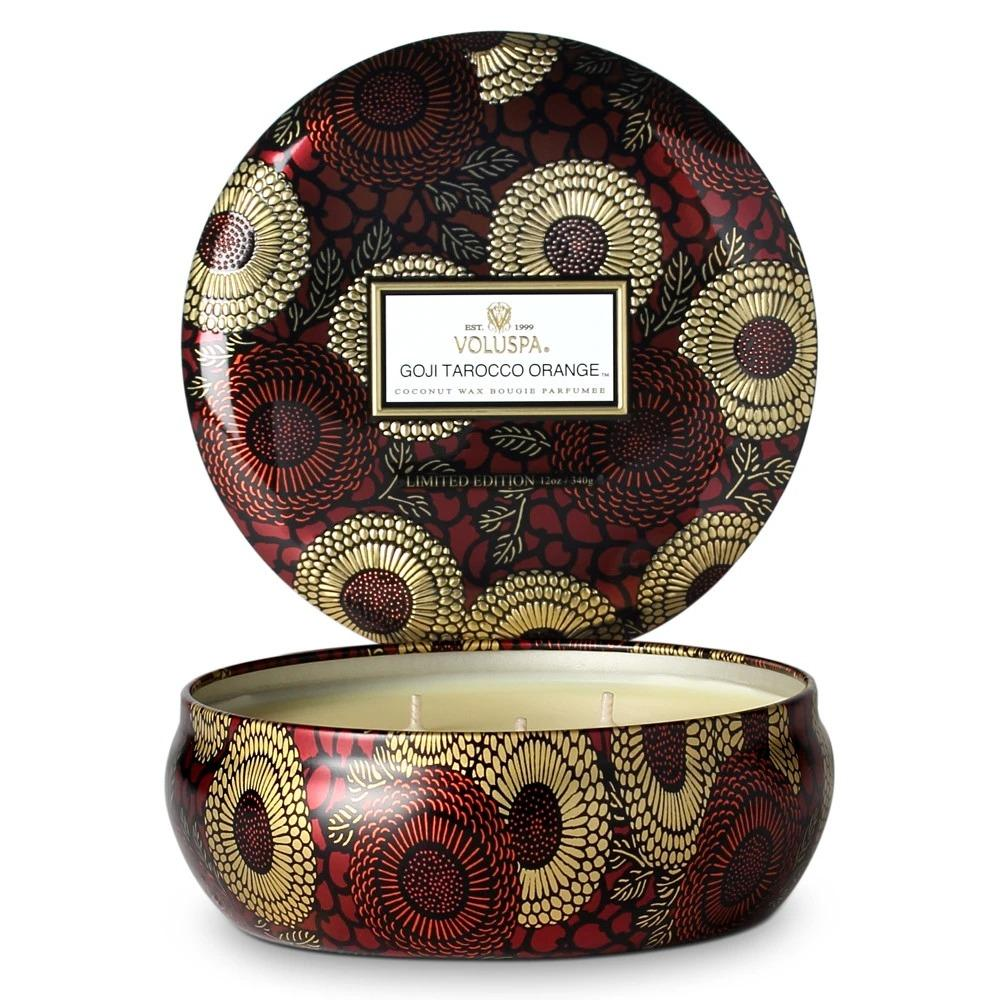 Note of Goji Berry, Ripe Mango, and Tarocco Orange Rich jewel tones adorn this beautifully patterned metallic option, with fragrance wafting from each of its three wicks.