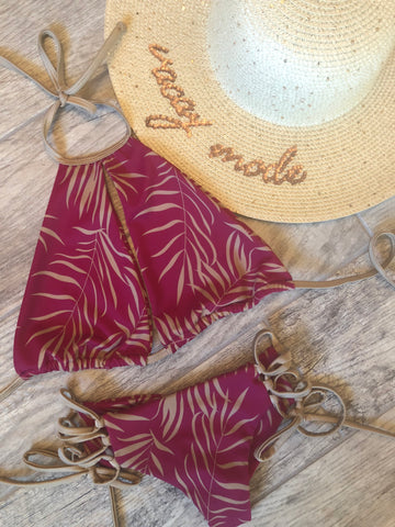 Cranberry Tropical Palm Bottom
