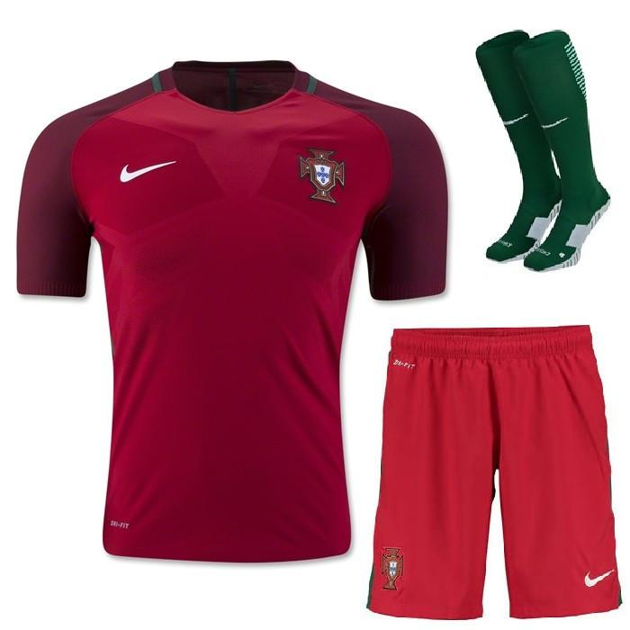 best website 54ce4 18512 Portugal 2016 Home Full Kit