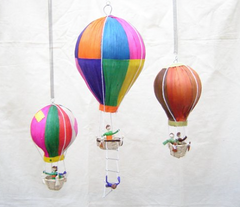 Zinte Hot Air Balloons made with Corn Husks