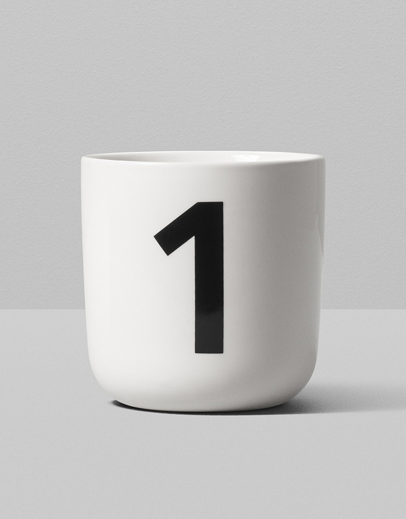 Playtype Mug Nationale DemiBold 1