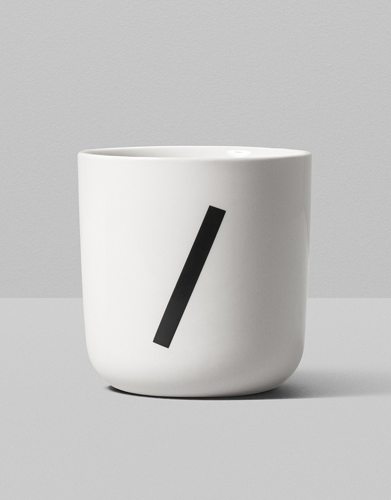 Playtype Mug Nationale DemiBold /
