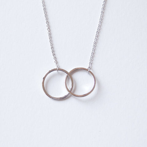 circle pendant necklace by Adruzy