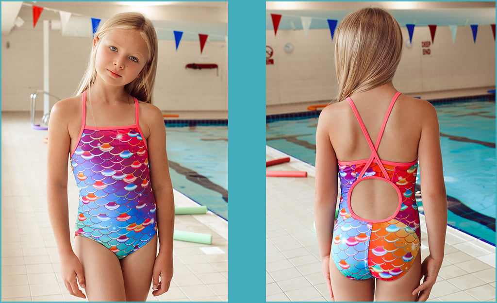 How to choose a swimsuit for a girl?