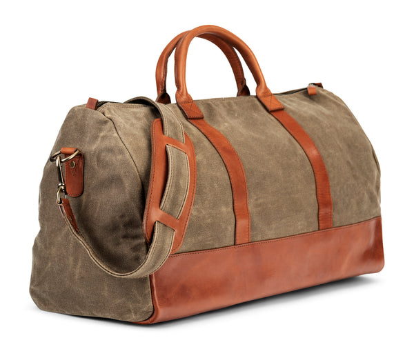 leather weekender bag made of heavy waxed canvas and vegetable tanned bridle leather