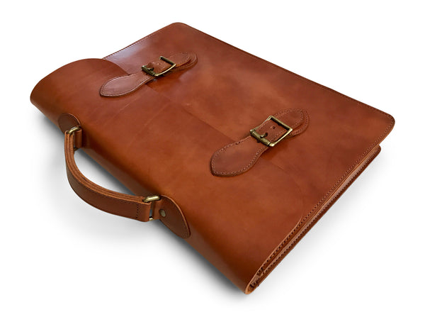 slim leather laptop case top angel in saddle tan