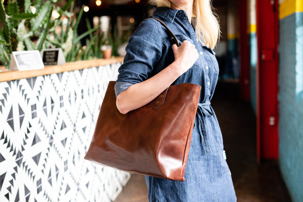 full grain leather tote bag in vintage brown color bridle leather