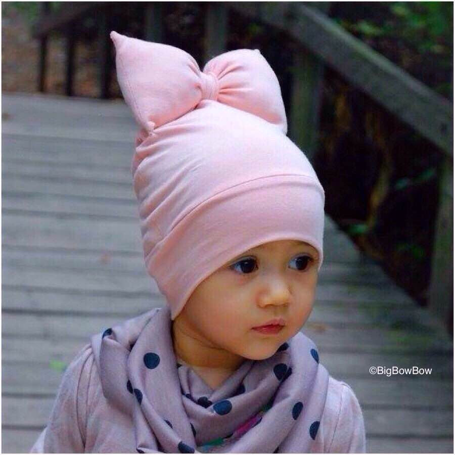 BigBowBow Beanie With Bow in Baby Pink