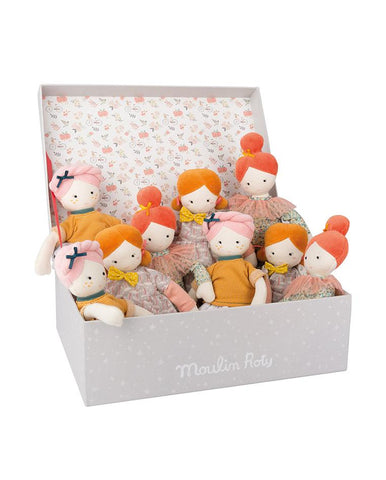 DISPLAY BOX WITH ASSORTED DOLLS