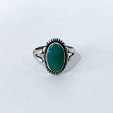 Vintage Scalloped Sterling Silver Aqua Agate Oval Stone Artsy Ring Front