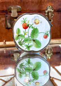 Vintage Limoges Wild Strawberry Hand Painted Porcelain Pill Box, France