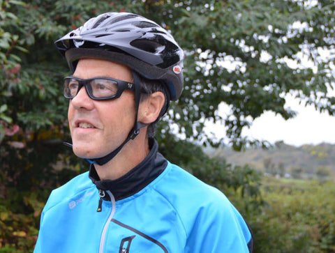 Cyclist wearing 7eye glasses for wind protection