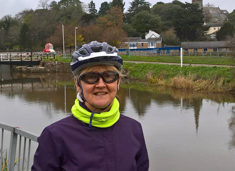 wearing 7eye Cape glasses for winter cycling