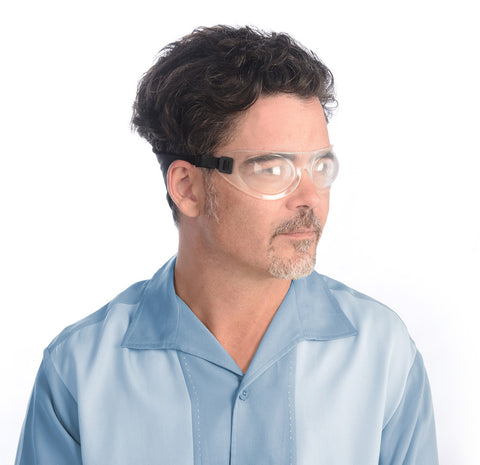 man wearing Eyeseals 4.0 night goggles for dry eye relief