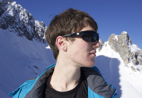 skiier wearing 7eye AirShield sunglasses